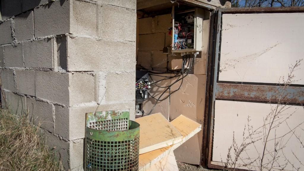 Panneau de contrôle des pompes censées récupérer le contenu du bassin de rétention.